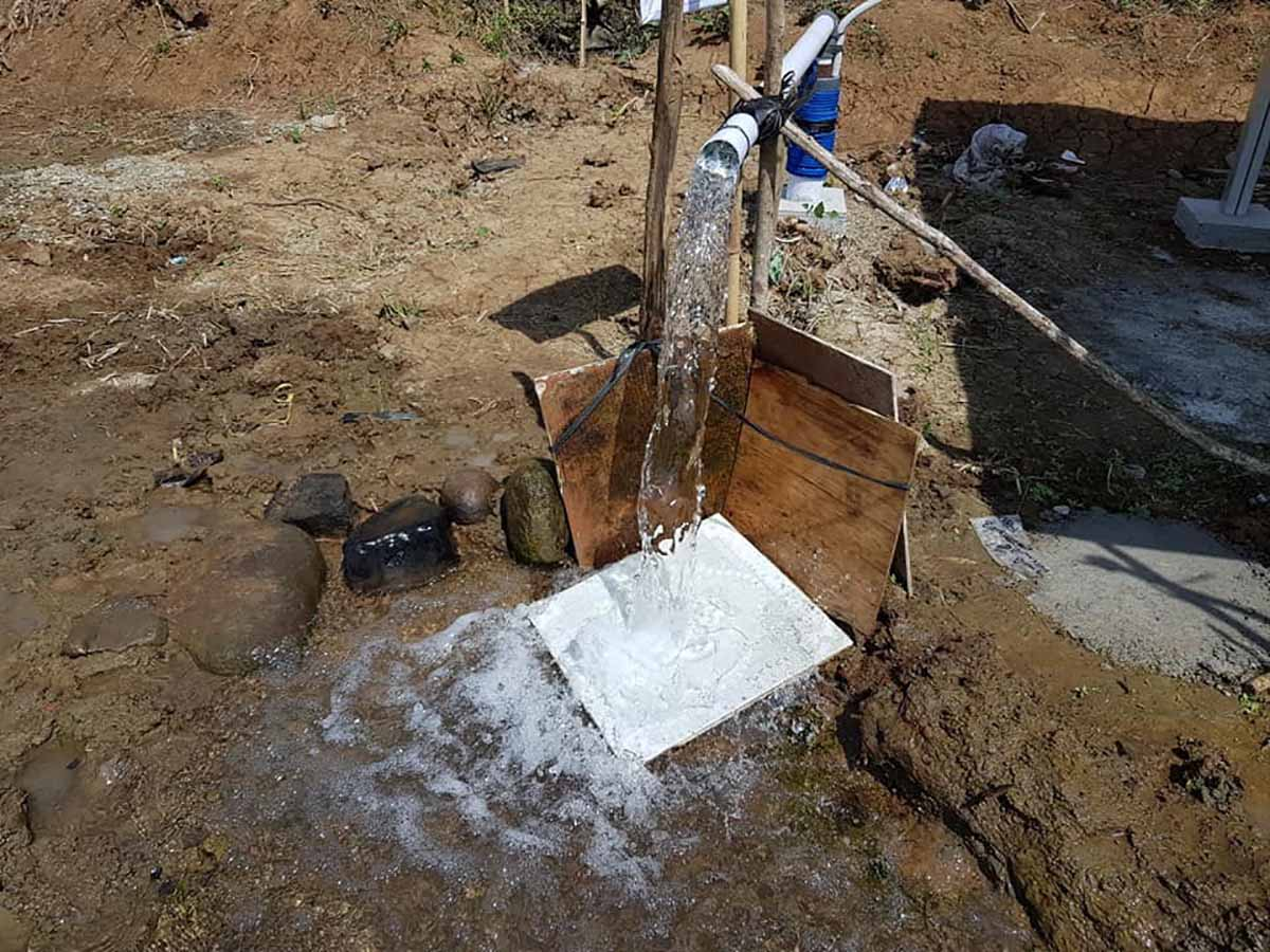 pemasangan pompa air tenaga surya