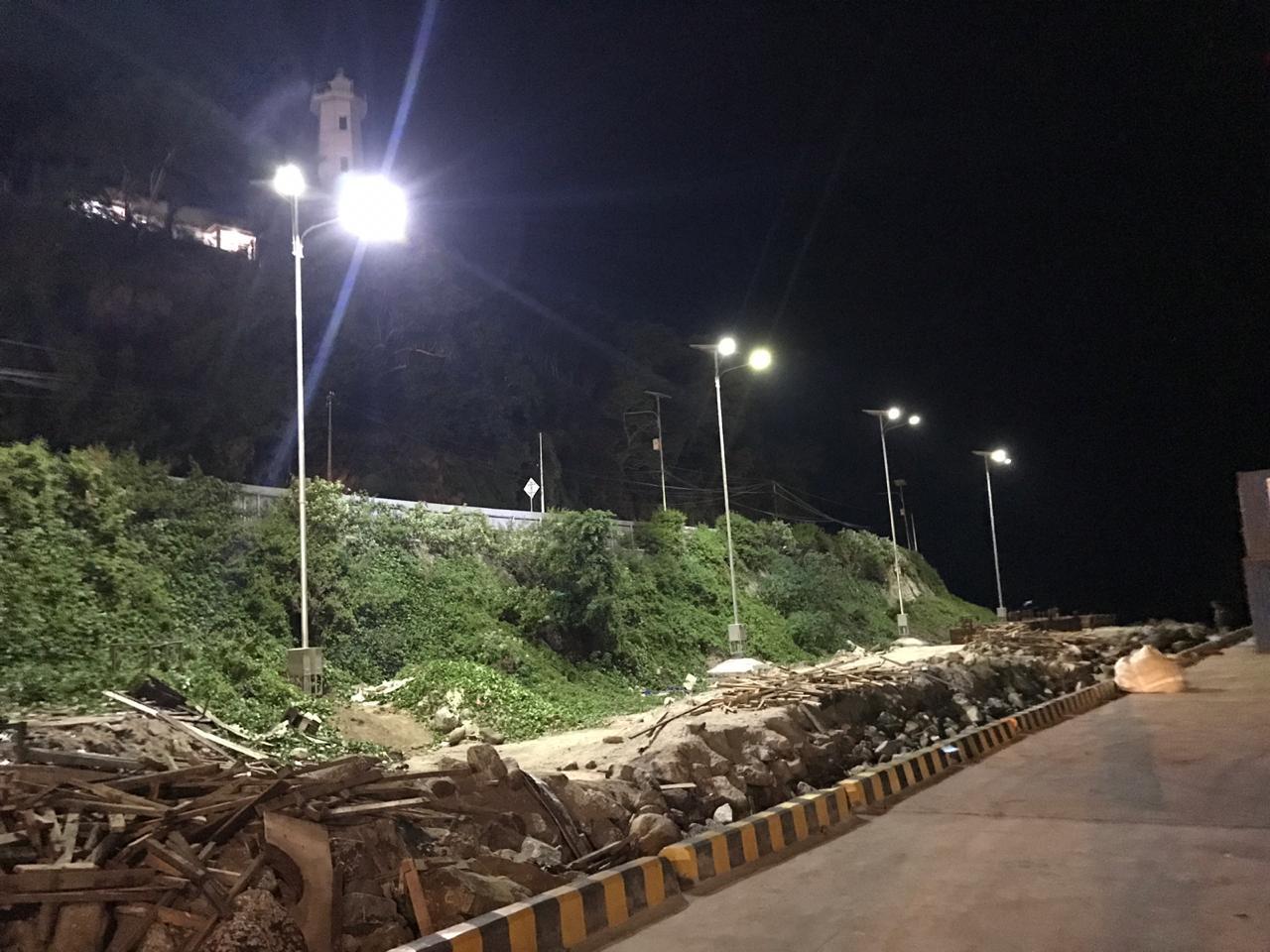 Lampu Penerangan Jalan Tenaga Surya (PJUTS) di Dermaga Gorontalo