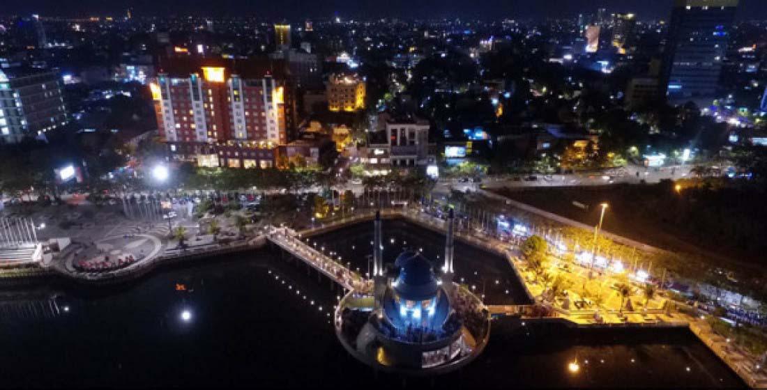 Lampu Penerangan di kota Makassar
