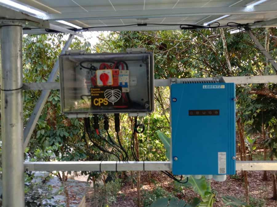 pemasangan pompa air tenaga surya lorentz dan panel surya di Saparua, Maluku Tengah, Ambon oleh tim CPS